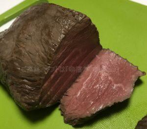 たわら屋の特選黒毛和牛「ランプ」極撰ローストビーフの断面の写真